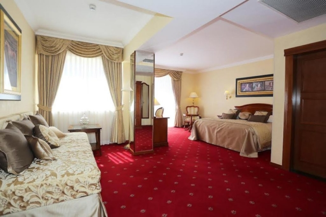 Trokrevetna soba s pogledom na more - Hotel Niko